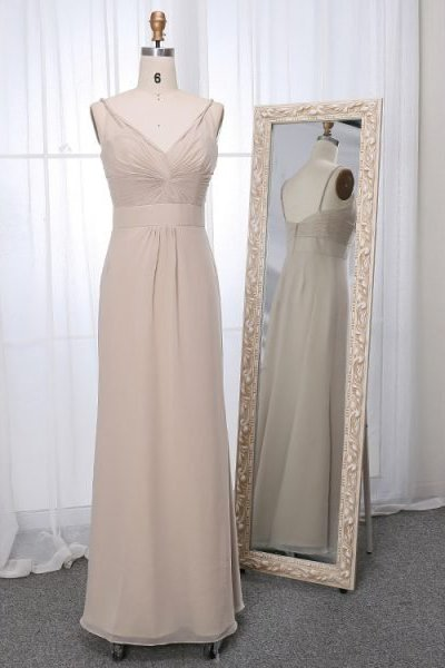 Belva dress in linen colour front view