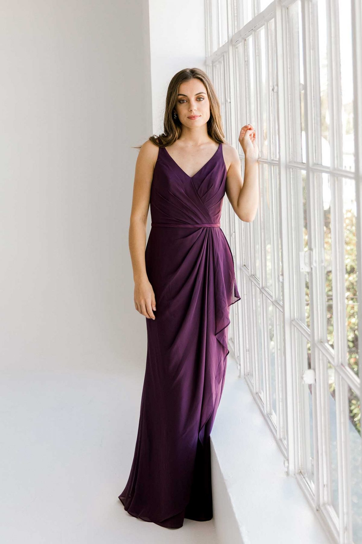 Luna dress in grape colour front view