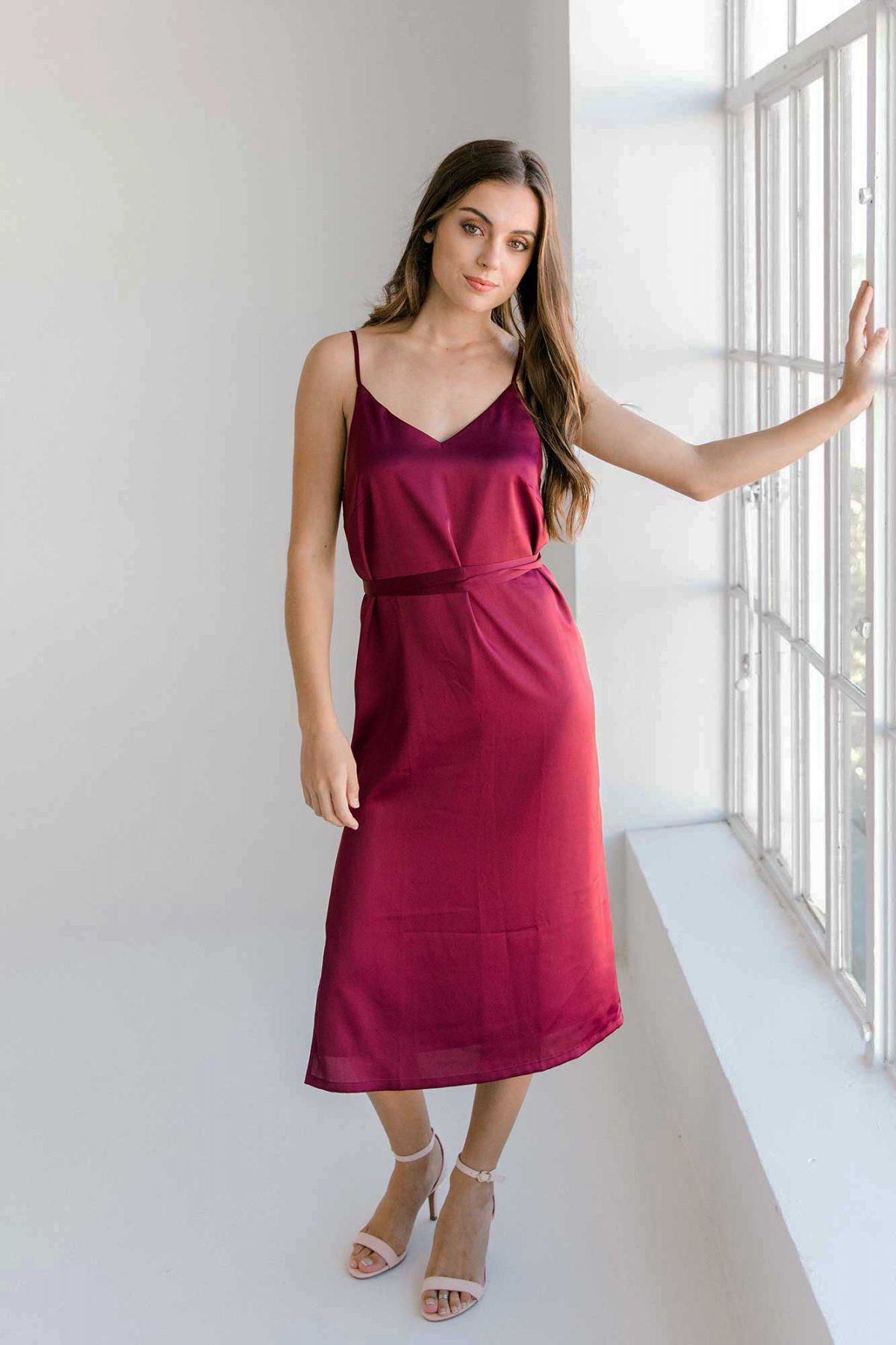 Nadia midi dress in burgundy colour front view